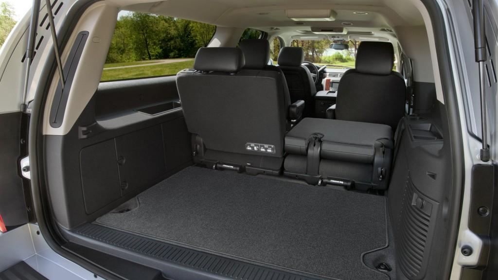 Chevrolet Suburban 7 Passengers – Needham Taxicab